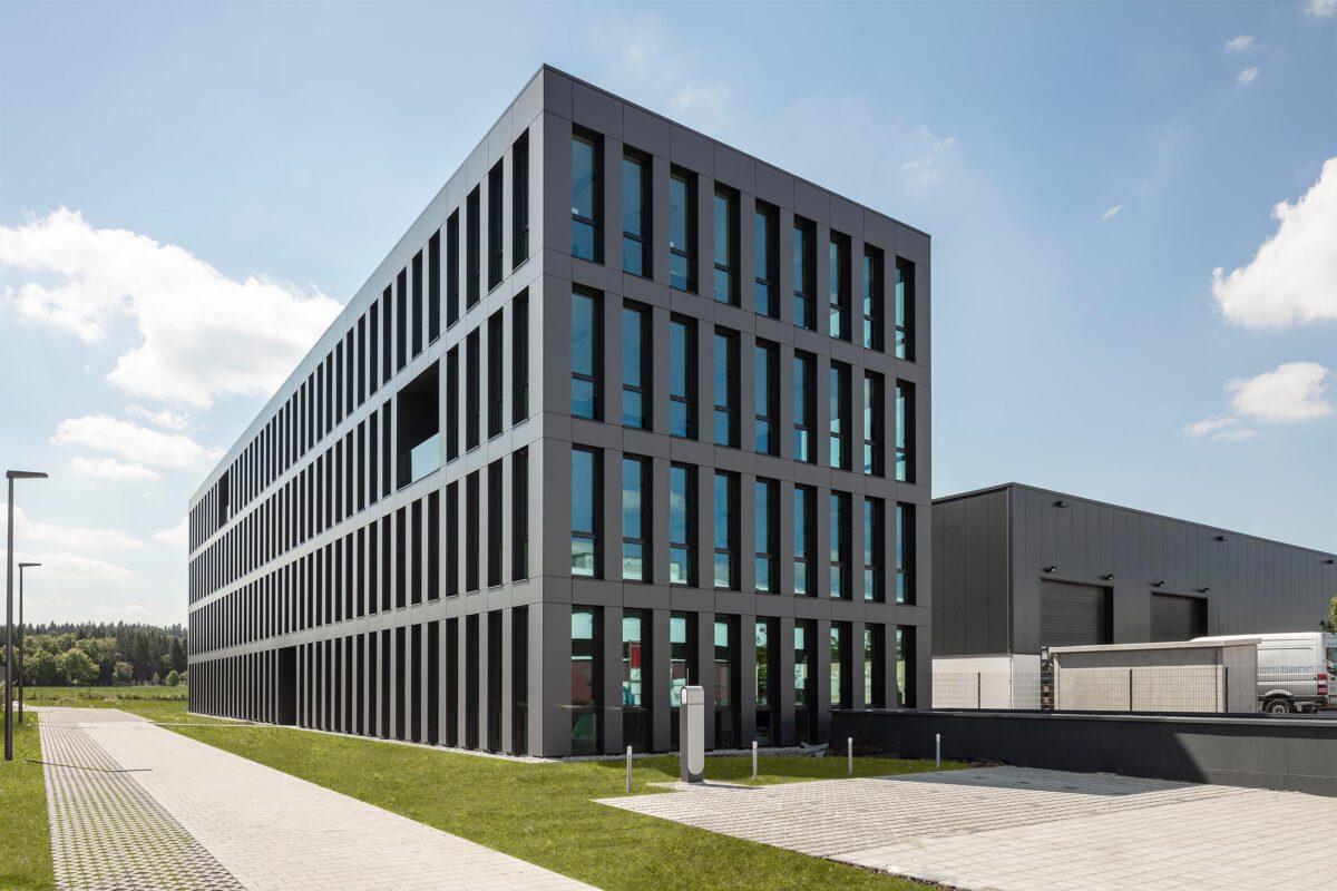 QS19 Forschungs- und Verwaltungsgebäude